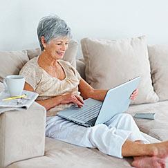 mujer-mayor-ordenador